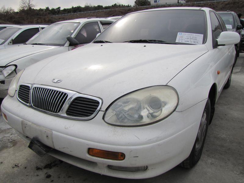 1998 GM Daewoo Leganza.