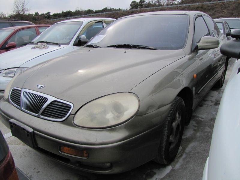 1997 GM Daewoo Leganza.